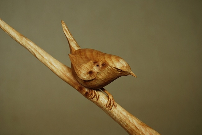 Bird on Branch. Lime. H 2in