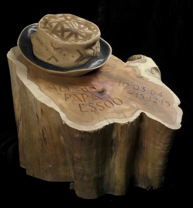 Memorial - Oak hat on Yew wood base