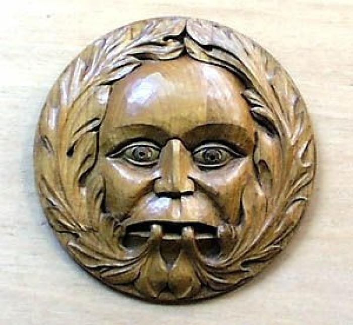 Ludlow Green Man Oak 9in 230mm diameter