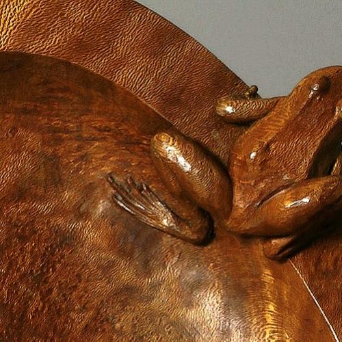 Frog Bowl detail Lacewood